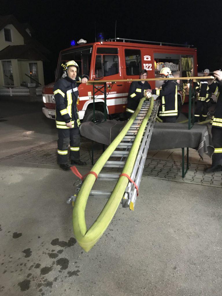 Feuerwehr Uebung Teamwork 04 Feuerwehr Feuerwehr